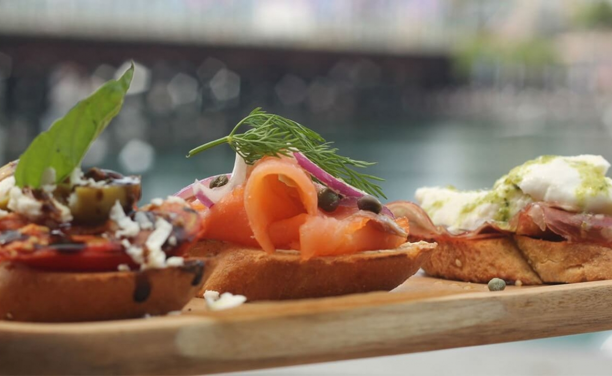 HBK Canapes Darling Harbour1200-700c